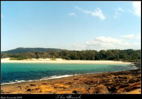 The Beach from Bawley Point by skadieverwinter