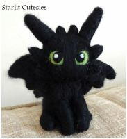 Toothless Chibi Plush! by StarlitCutesies