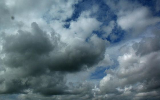 Hectic Clouds again by Leitmotif