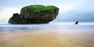 glomour beach by adit21