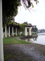 Oaklands Lake Merrit by Mazaskaneko