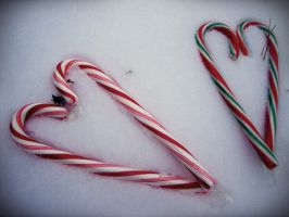 Candy Cane Love by evelynrosalia