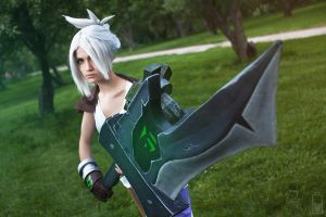 Riven. The Exile (LEAGUE OF LEGENDS) [9] by Akaomy