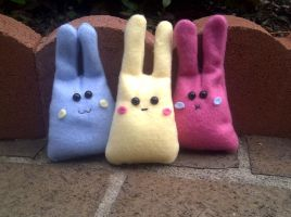 Kawaii bunny Plushies by EmrT