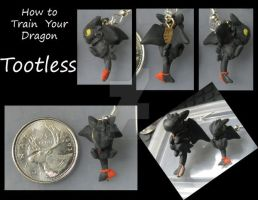 Character earring _Toothless 02 by Niwa-Katuki