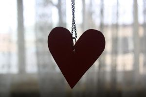 Heart On A String. by jay-piddle