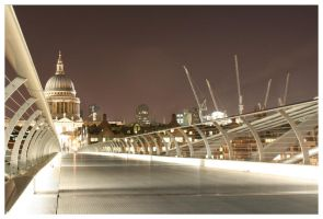 London 15 by aaron-thompson