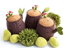 Tree Stump Pincushion by hitree