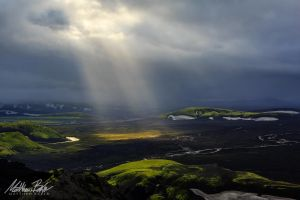 Iceland Light Rays by Bakisto