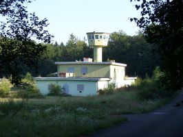 Abandoned military tower by schlangenkraft