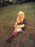 YANG IS SITTING PRETTY by damselle-xo