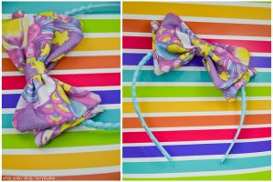 Catch a Falling Star Hair Bow by marywinkler