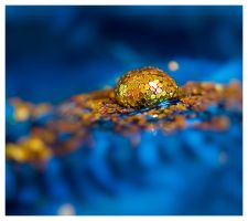 glitter droplet by mzkate