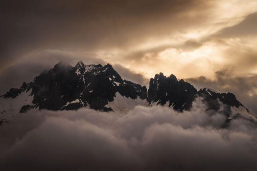 Gloomy peaks by aw-landscapes