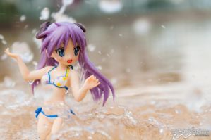 Kagami - Fun with Water by nutcase23