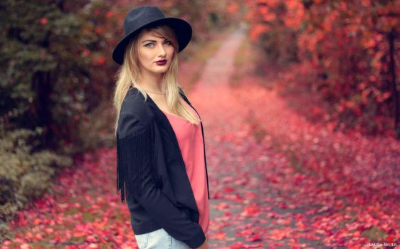 Autumn by lauramejer
