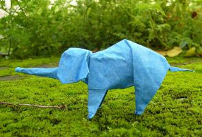 Elefantito - Lil elephant by Figuer