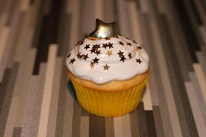 Star Cupcake by pauroo