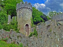 Gwrych Castle ruin by friartuck40