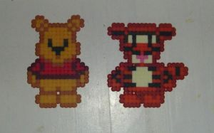 Hama Beads - Winnie + Tigger by acidezabs