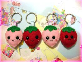 felt strawberry keychains by kneazlegurl125