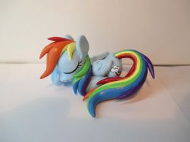 Rainbow Dash, Sleeping by EarthenPony