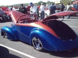 Red blue hot rod 2 by Ozzlander