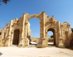 Theatre Entrance, Jerash by alimuse