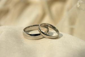 wedding rings by andrewishy