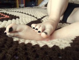 Cutesey Toes by Foxy-Feet