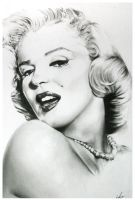 Marilyn Monroe by bulletinthegun
