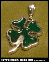 Shamrock pendant by Dans-Magic