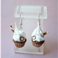 small cupcake earings by lemon-lovely