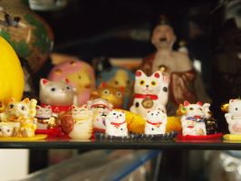 The attack of the maneki neko by uematsu77