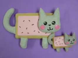 Nyan Cat Plushies by FishingForBirdies