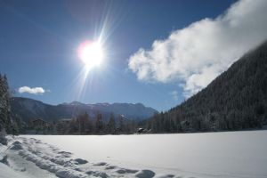 Switzerland, Lake in Winter by elodie50a