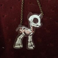 look at my awesome necklace! look at it! by Plushypuppystudio