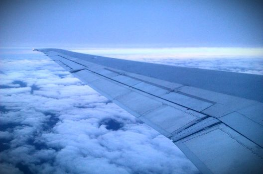 First time looking at the clouds from the sky by gaboman15