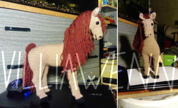 Amigurumi Horse by Villiawenn