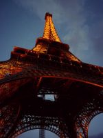 Eiffel Tower IV by xXCold-FireXx