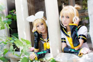 Vocaloid Twin: Rin n Len - 3 by ImMuze