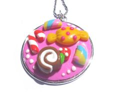 Sweet necklace by tuxinha
