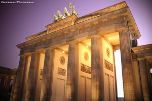Brandenburg Gate by AljoschaThielen