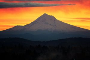sunrise over mt hood by ringmale