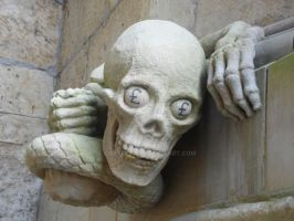 Statue on Lincoln cathedral by coxyclan