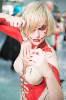 Anime Expo 2014 Female Titan by CosplayMedia
