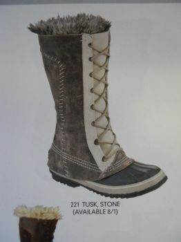 the boots I whanted by Dragon-Hydra
