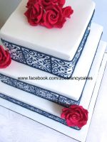 Square cake by zoesfancycakes