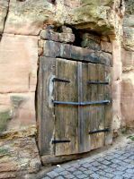 rotten door by Mittelfranke