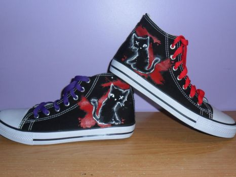 Emily The Strange Converse ^^ by deadxletters
